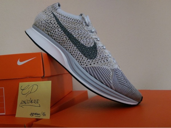 Nike Flyknit Racer Pure Platinum - photo 1/3