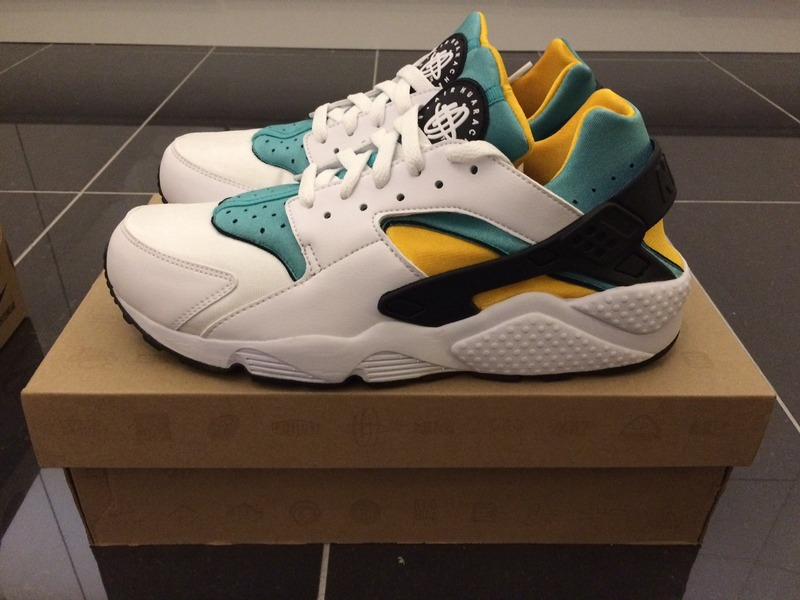 nike air huarache yellow green