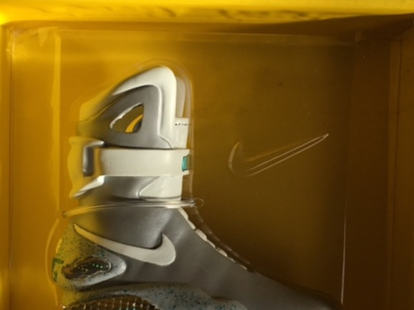 Nike AIR MAG (COLLECTORS ITEM BACK TO THE FUTURE - LIMITED EDITION) - photo 1/9