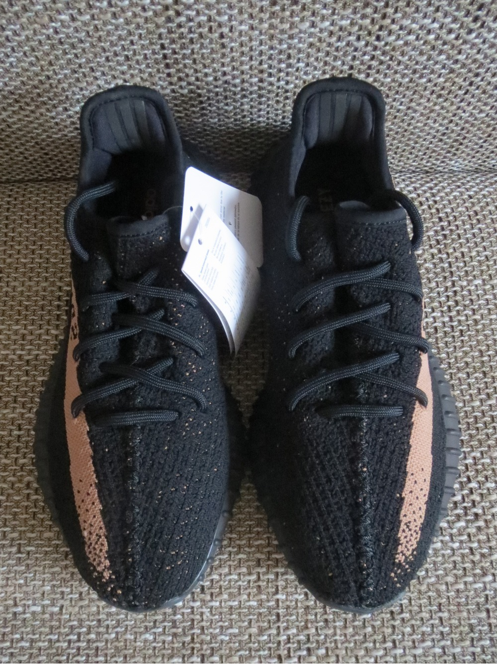 Real vs fake adidas Yeezy Boost 350 V 2 Black White