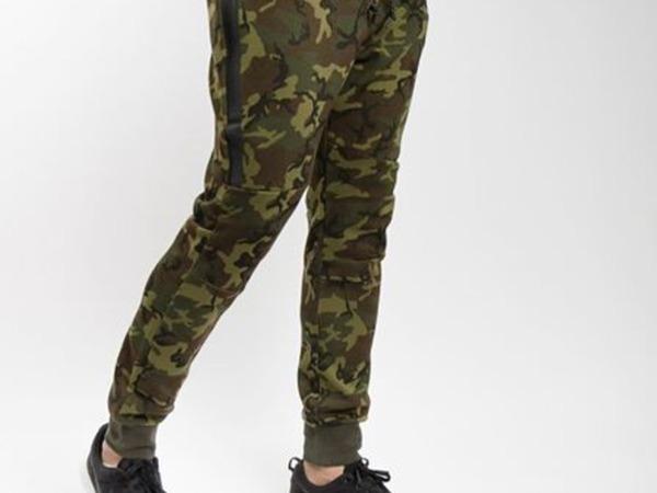 nike tech fleece tapered camo jogger pants DS sz.M - photo 1/7
