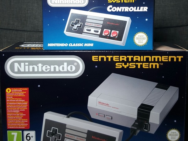Nintendo NES Mini Console + 1 extra Controller - photo 1/1