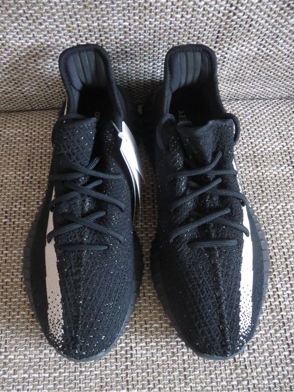 adidas yeezy 37
