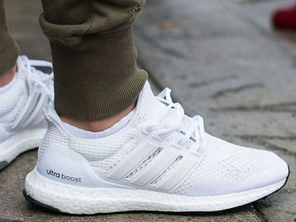 <strong>Adidas</strong> <strong>Ultra</strong> <strong>Boost</strong> <strong>Triple</strong> <strong>White</strong> - photo 1/1