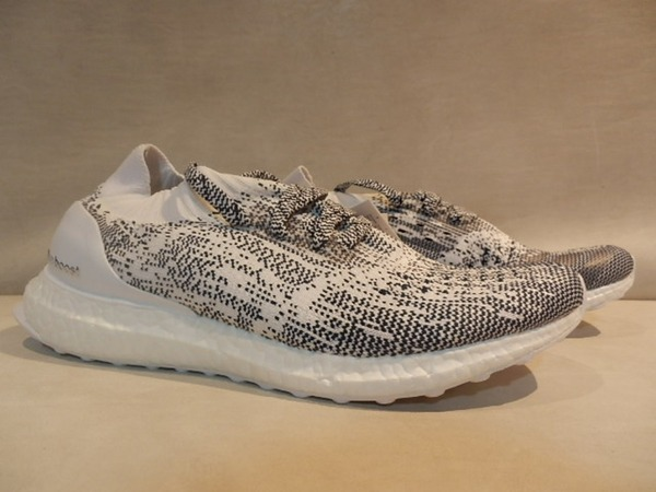 ADIDAS ULTRA BOOST UNCAGED WHITE/NAVY SIZE 9US AND 10.5US - 179€ - photo 1/7