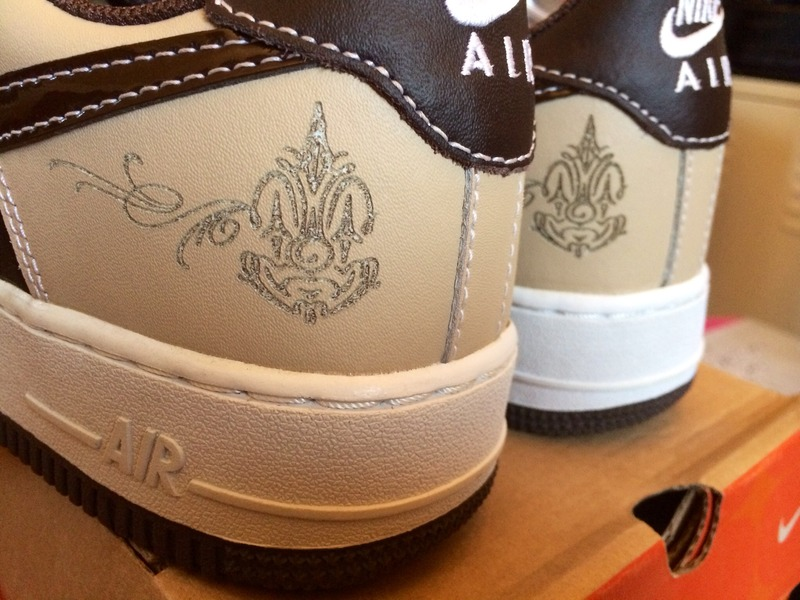 Undefeated x Livestrong x Nike Air Force 1 Low Complex