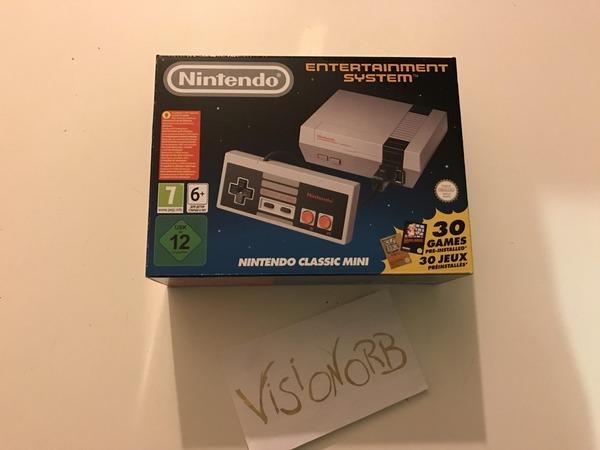 Nintendo NES Classic Mini - photo 1/6