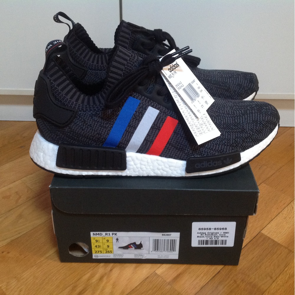 0735e9eedced Review Adidas NMD R1 midnight grey on feet closer look