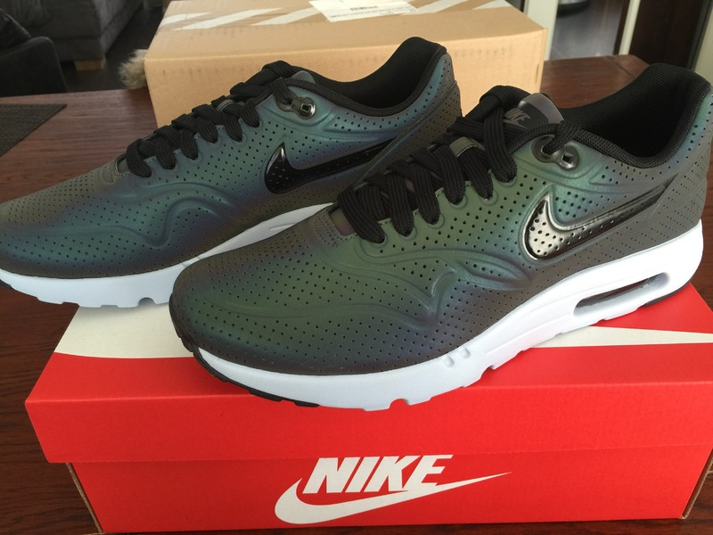 nike air max 1 ultra moire holographic