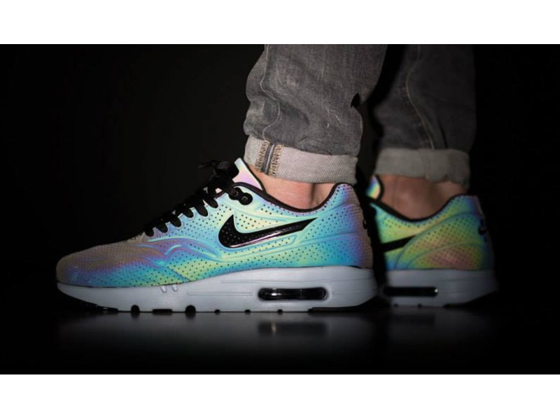 air max 1 ultra moire iridescent