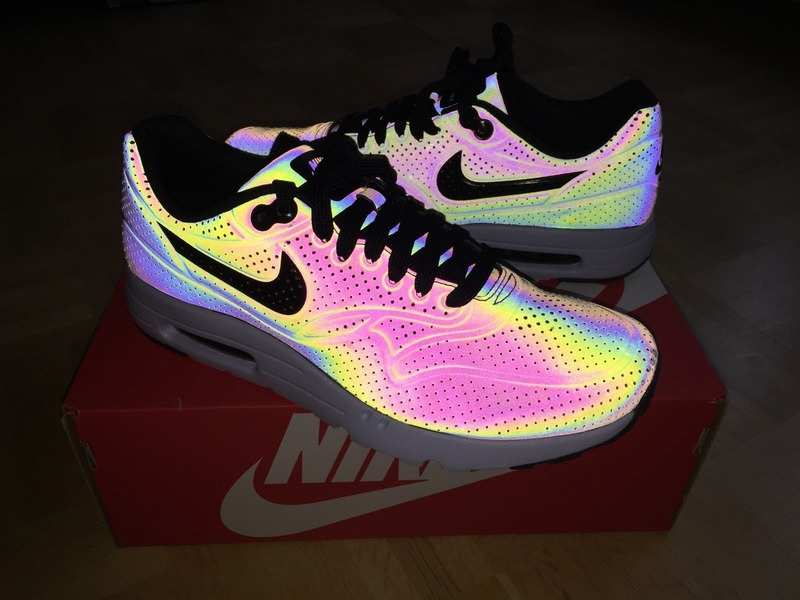 air max 1 ultra moire holographic