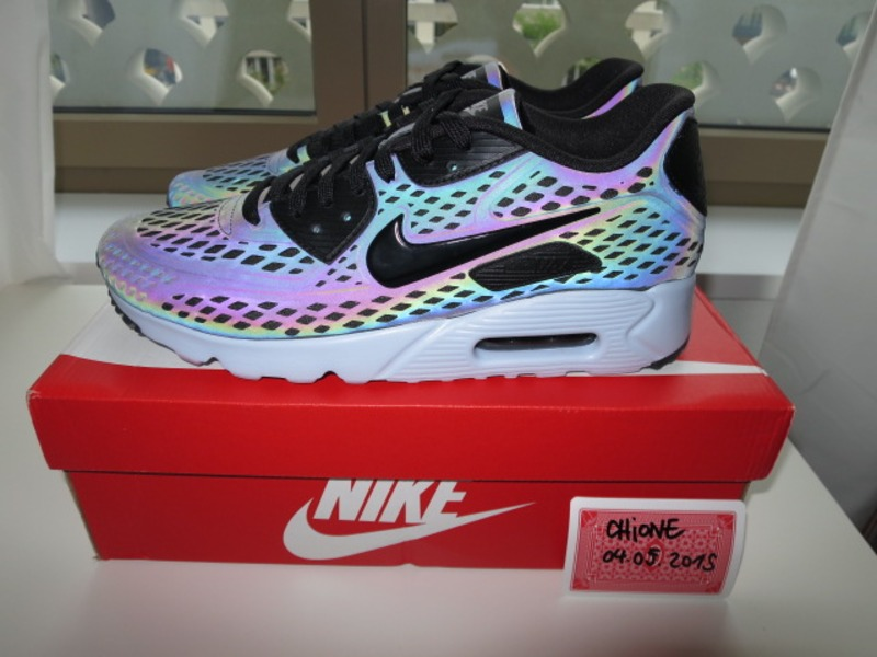air max 90 ultra moire qs holographic