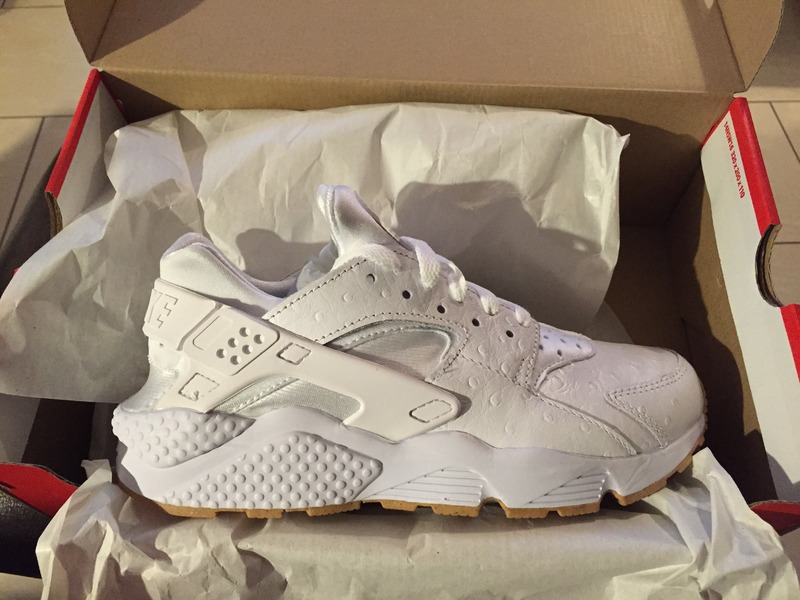 dfaf95cd4fbb ... White Ostrich Nike air huarache run PA Ostrich - photo 15 ...