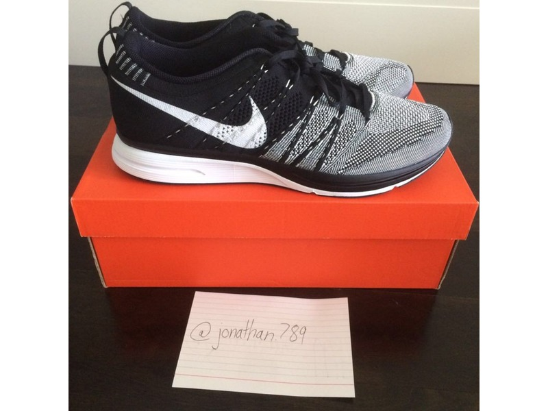 b7369a6690a27 5ce69 69601  hot nike flyknit trainer black white yeknit kanye west yeezy  brand new ds size 11.5 photo