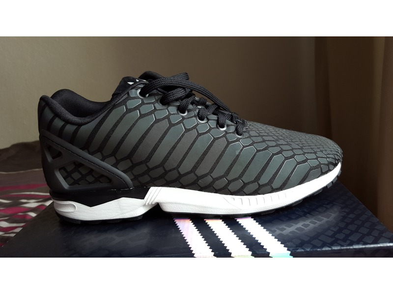 THE SNEAKER ADDICT: Adidas ZX Flux 'Xeno' Black & Grey