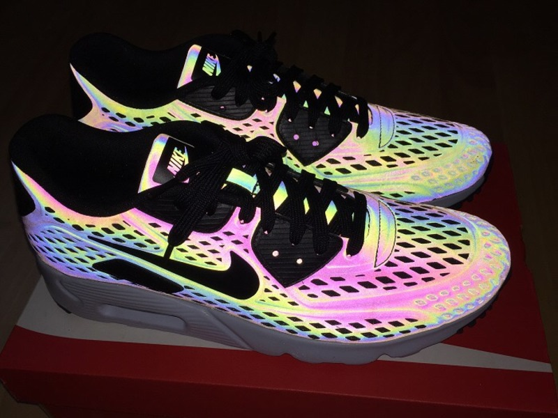air max 90 qs ultra moire holographic
