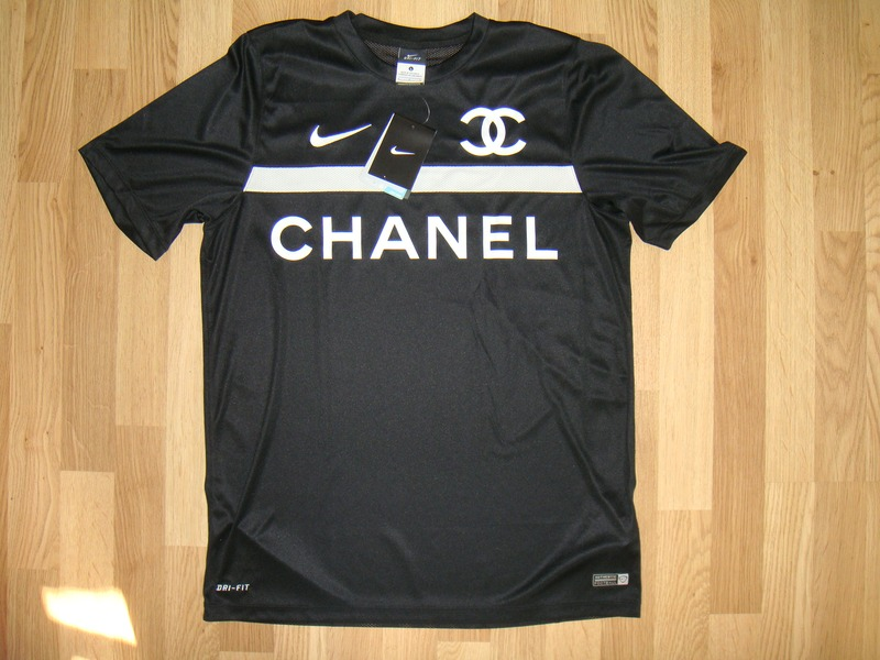 nike t shirt limited edition