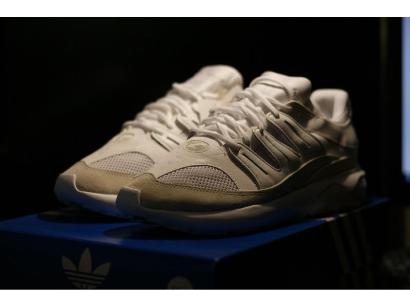 adidas tubular 93 white