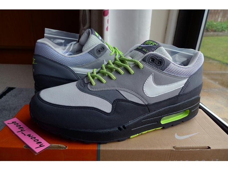 fc41811a57df ... Nike Air Max 1 x Size Neon Pack aka Dave White UK 9 US 10 ...
