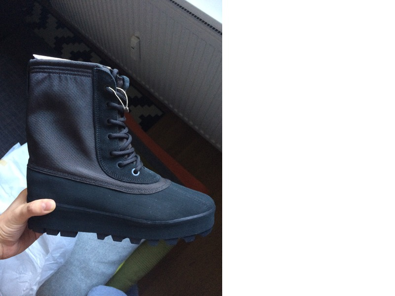 a0f0ed0a8aee8 Adidas Yeezy 950 M Boots Pirate Black EUR 44 US 10.5 Kanye West Boost 350  750 ( 249654) from Tom at KLEKT