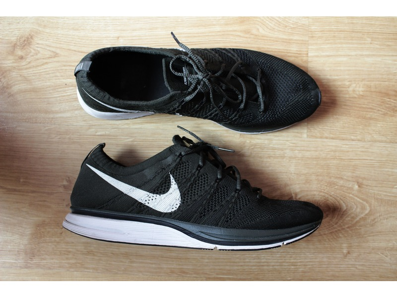 nike flyknit trainer black