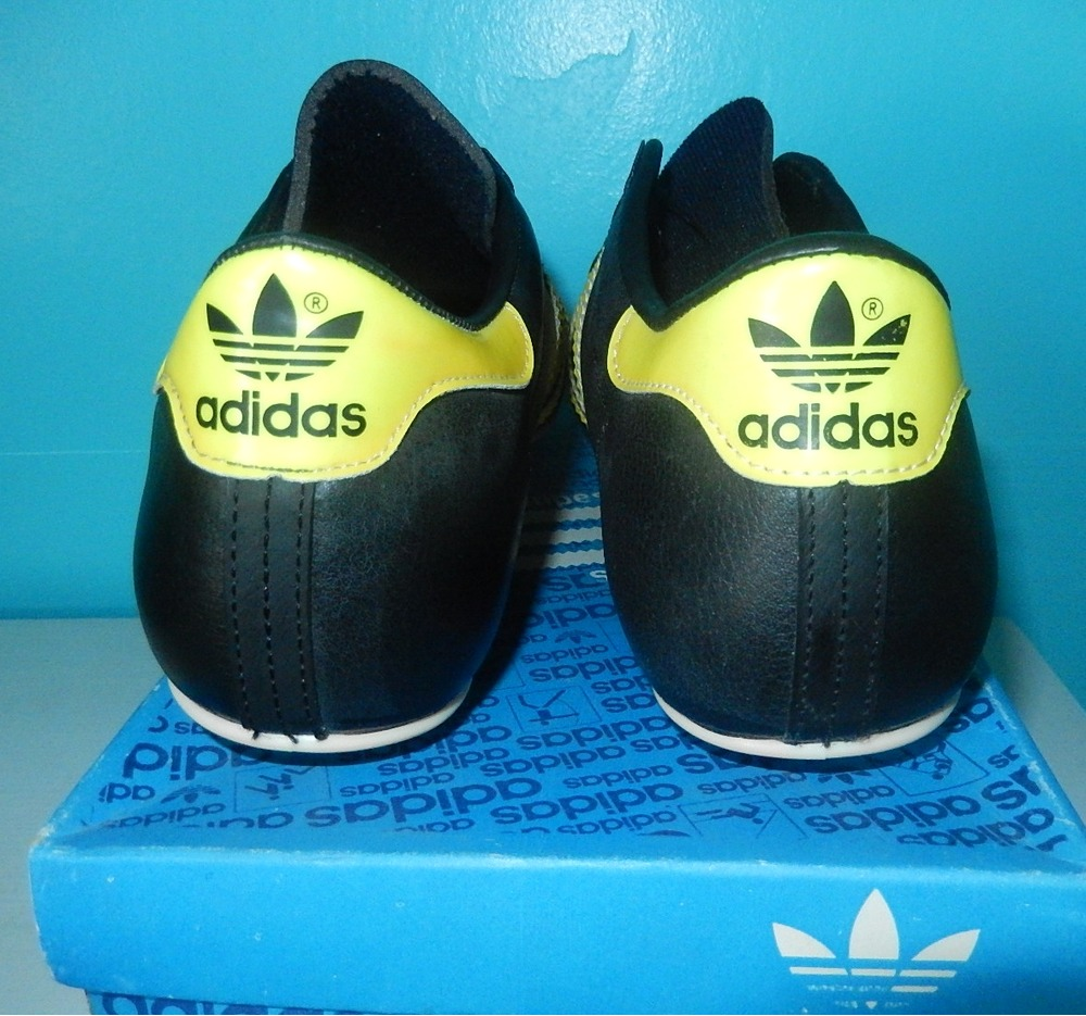 chaussures de foot adidas city t 40 275933 from dubin at klekt. Black Bedroom Furniture Sets. Home Design Ideas