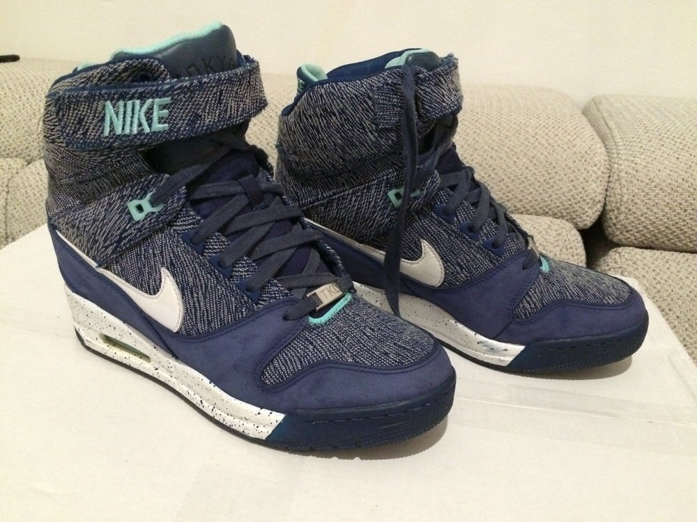 nike air revolution sky hi qs