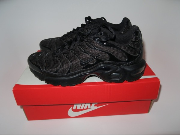 nike tn all black