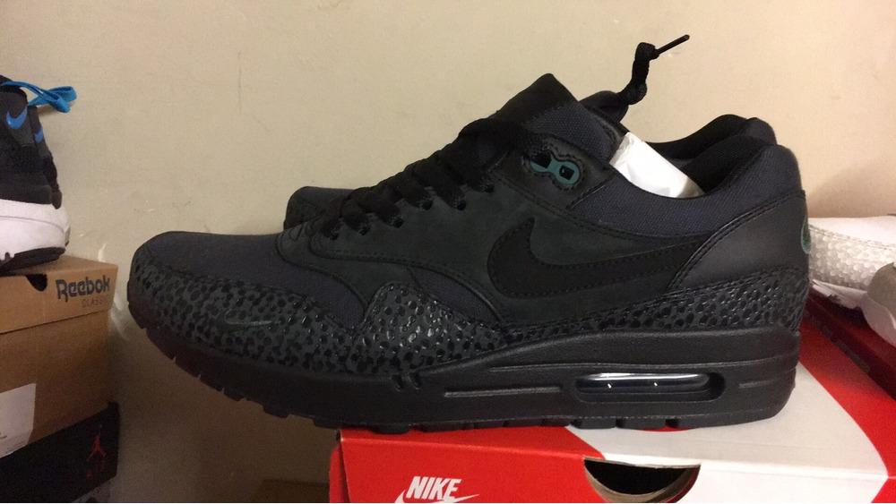 brand new 83a05 e807a Nike Air Max 1 Premium Mini Swoosh Black  Black-bonsai