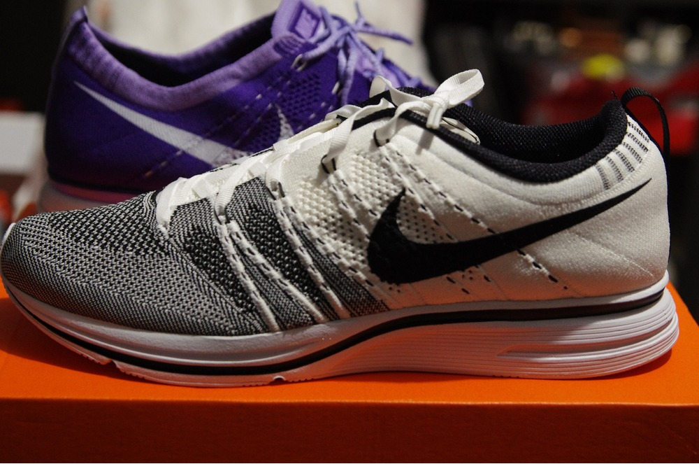 3797fd897039 ... DS New Authentic Nike Flyknit Trainer Yeezy Kanye White Black 11.5  (532984 100) US11