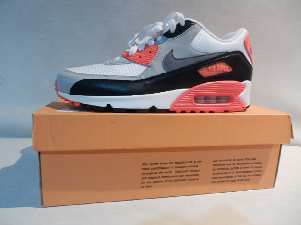 "The Nike Air Max 90 OG ""Infrared"" Is Almost Here"