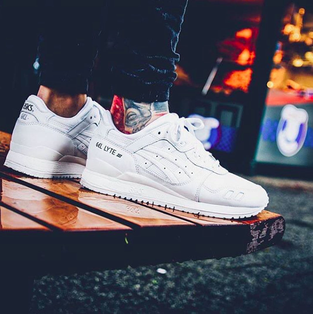 reputable site fdf84 faced Buy asics gel lyte iii all white cheap