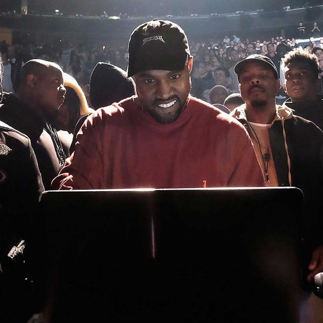 c1fcc9338 Kanye West Sneakers - The best YEEZY deals on KLEKT