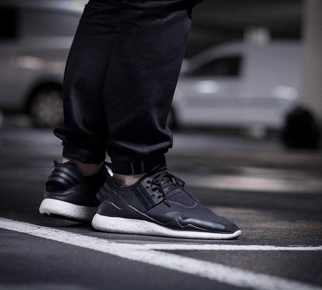 ae5ddb36e6e9f adidas Y-3 Retro Boost (Black)