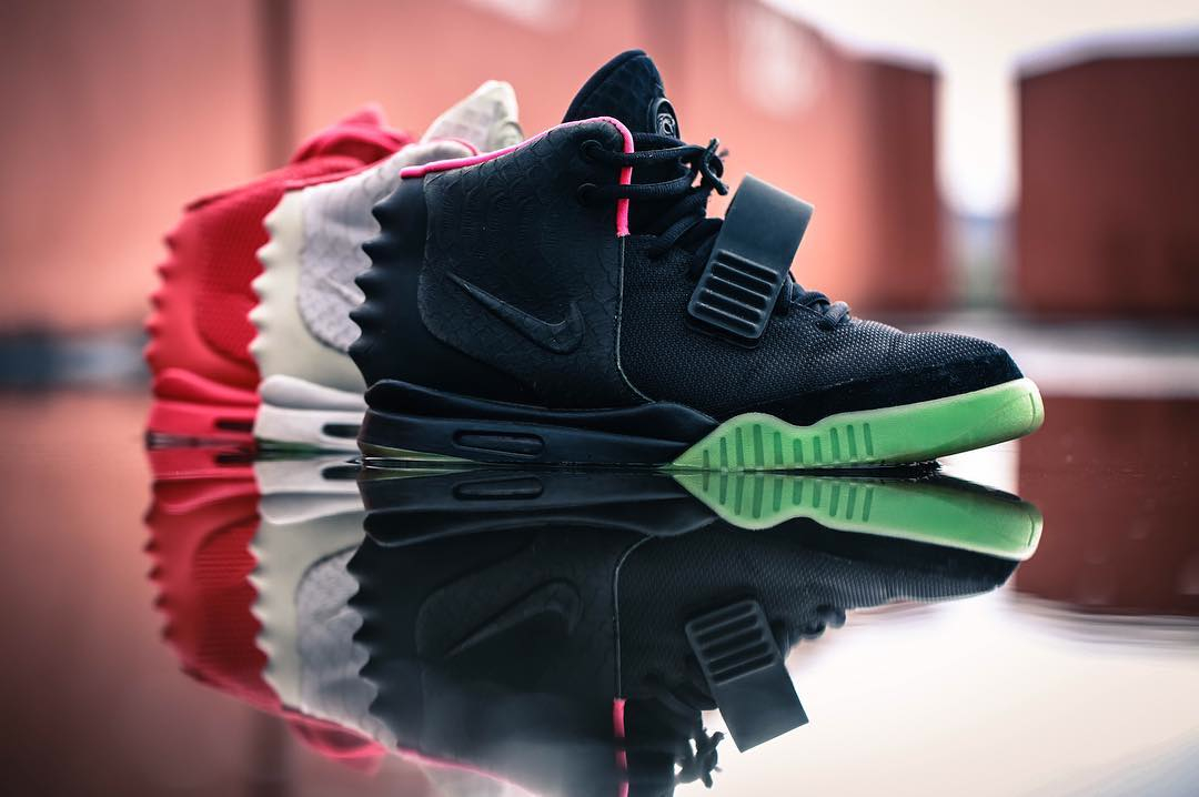 Nike Air Yeezy 2 Black Solar Red Kanye West